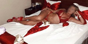 Jemma massage parlor in Canyon Lake and live escorts