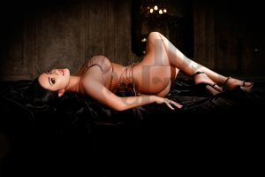 Luana happy ending massage & live escort