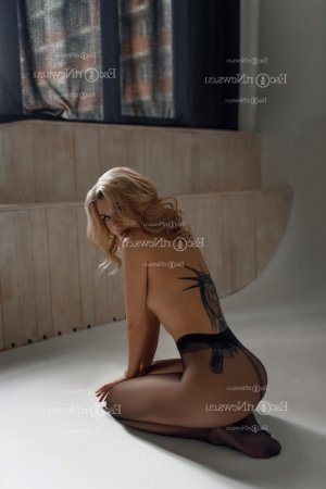 Chantal-marie happy ending massage & escort girls
