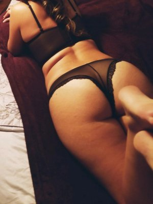 Appoline escorts in Hercules California, tantra massage