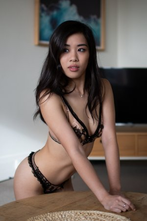 Yveline erotic massage and escorts
