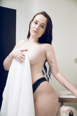 Laurynda tantra massage
